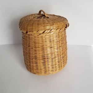 Vintage Mini Natural Woven Wicker Basket with Lid